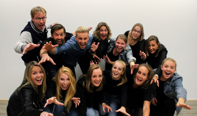 BlueBird Voices is een enthousiaste vocalgroup uit Zwolle. De ambitieuze club wil groeien van naar 20 leden en organiseert daarom een open repetitie op 15 oktober. (foto: Anouk van Barneveld)