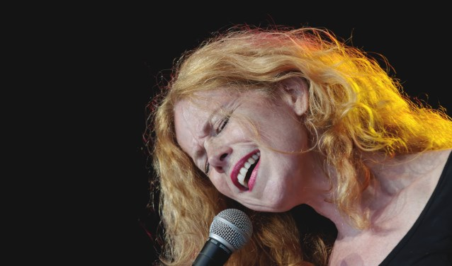 Net als Pia Beck beheerst Anke Prevoo diverse muziekgenres. (Foto: R. Blang)