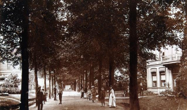 Van Hoogstratensingel in Dordrecht, circa 1902-1905, (collectie Regionaal Archief Dordrecht).