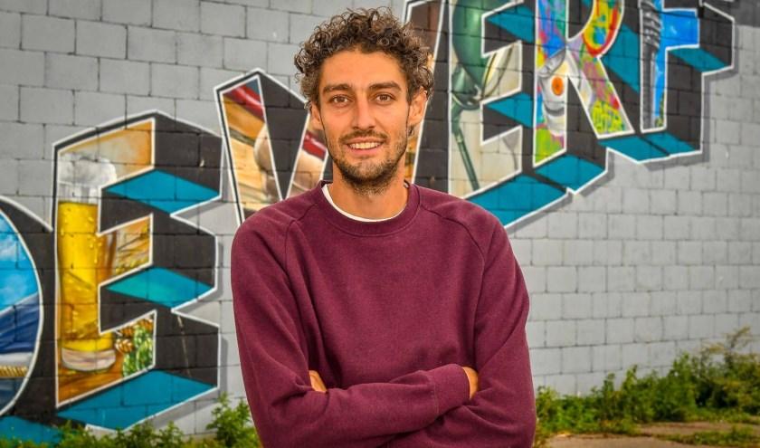 """Joost Zwanenburg: """"Met graffiti spreek je doelgroepen aan die anders niet in kunst geïnteresseerd zouden zijn. Hieruit volgde het idee om meer moderne kunst toe te voegen aan Alphen."""""""