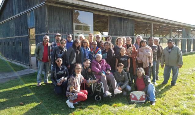 De familie Taihuttu maakt een ontroerende reis naar Kamp Westerbork. Veel Molukkers werden aanvankelijk hier gehuisvest.