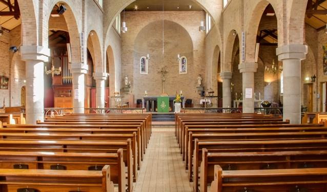 Interieur R.K. St. Helenakerk