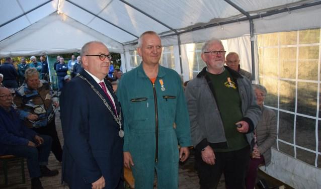 Gerrit Averesch en Herman Wessels kregen een lintje voor hun vrijwilligerswerk.