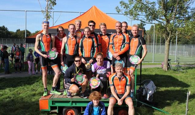 De prijswinnaars van de Run Bike Run. FOTO: Kees Oostwaard