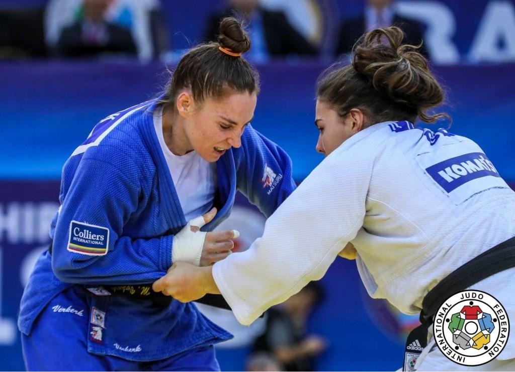 Marhinde (links) eind september tijdens het gevecht om brons tegen Katie-Jemima Yeats-Brown op het WK in Baku (Foto: Judo Bond Nederland)  © Persgroep