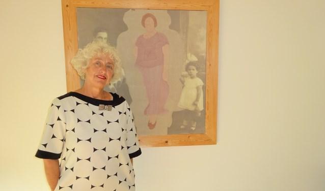 Cora de Kok uit Hardinxveld-Giessendam heeft al zo lang zij zich kan heugen een passie voor textiel. (Foto: Eline Lohman)