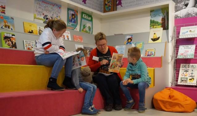 Volgens Van Steenis is de Kinderboekenweek een zo'n mooi moment om het belang van lezen en voorlezen weer te onderstrepen.