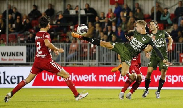 RKC verloor vrijdagavond in het Yanmar Stadion met 2-1 van Almere city. Jari Koenraat zorgde een kwartier voor tijd nog voor de verdiende gelijkmaker, maar lang kon RKC daar niet van genieten. Foto: ProShots