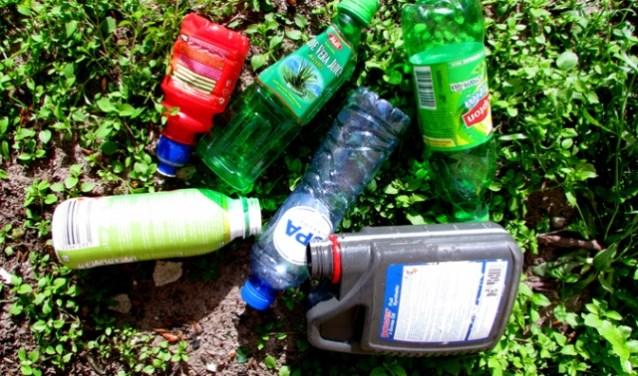 Zwerfafval zorgt voor veel overlast in de natuur en is belastend voor het milieu.