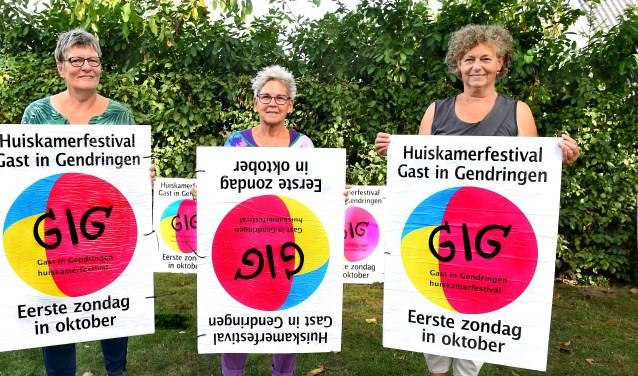 Vlnr: Gitta van den Berg, Dorien Leijzer en Liesbeth Masselink. (foto: Roel Kleinpenning)