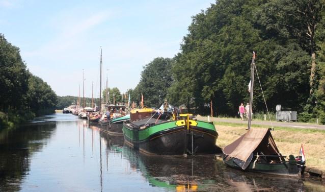 Het bezoek van zo'n 25 binnenvaartschepen in 2012 heeft volgens de Wapenvelders wel bewezen dat 'varen naar Wapenveld' best mogelijk is.