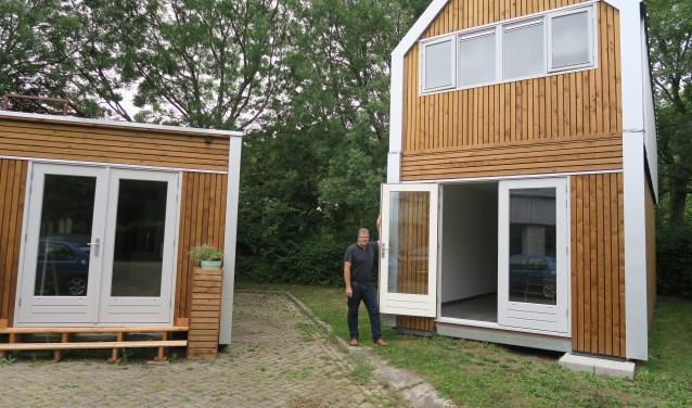 Een model van een Tiny House staat aan de Kievitsweg. (tekst en foto Geert van Someren)