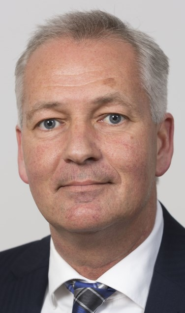"""Edward Piena: """"De verkoop van aandelen Eneco gaat toch door"""". (foto: Jos Wesdijk tekst Geert van Someren)"""