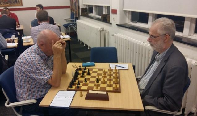 Hans Gillet (links) ging al vroeg in de denktank tegen Hans van de Weteringh. (Foto: Martin Markering)
