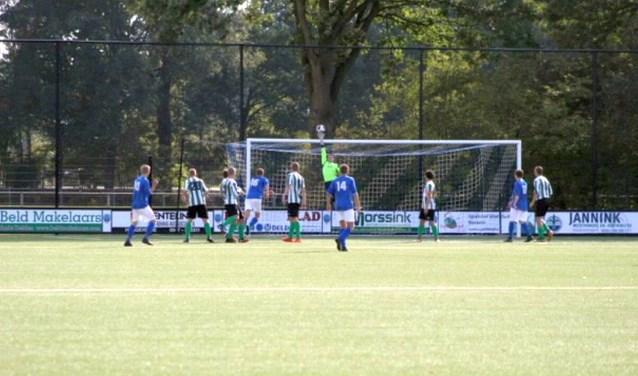v.v. Haaksbergen verloor de tweede competitiewedstrijd tegen Bentelo. Komende zondag komt Hoeve Vooruit naar het Scholtenhagen.