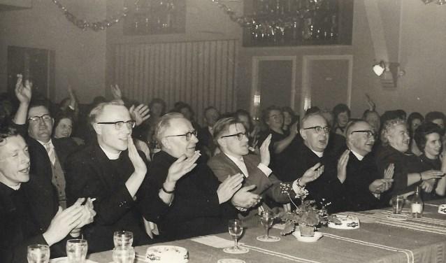 De vereniging bestaat eigenlijk al sinds de jaren '50. In 1964 nam de 'geestelijkheid' een prominente in plaats op de eerste rang. In 1993 beleefde de vereniging een nieuwe start.