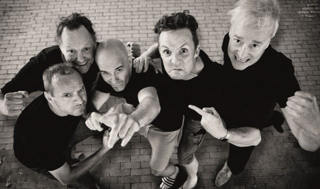 Het Groot Niet te Vermijden maakt al jaren muziek om naar te kijken en theater om op te dansen. (Foto: Jan-Willem Bullee)