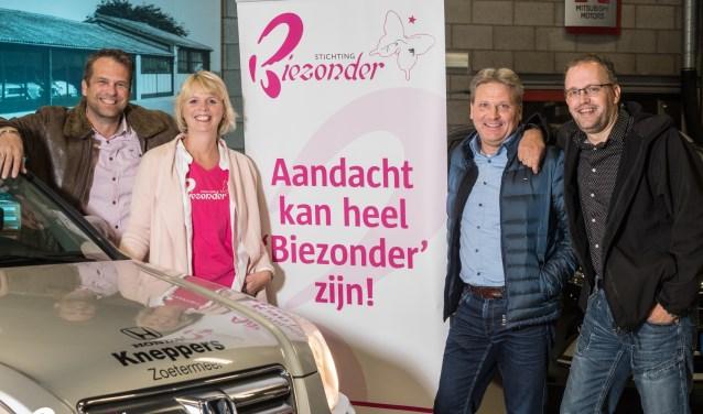 Denny, André en Maurice rijden de Noordkaapchallenge en steunen hiermee stichting Biezonder van Sylvia Wijdieks. Foto; Ron Jenner