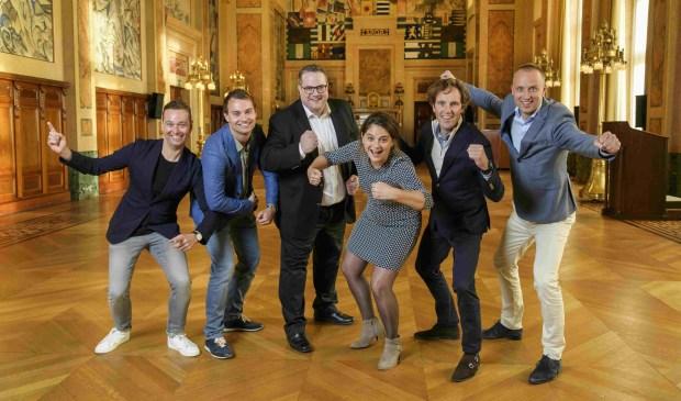 De genomineerden op het stadhuis van Rotterdam met wethouder Barbara Kathman. (Foto: Mladen Pikulic)