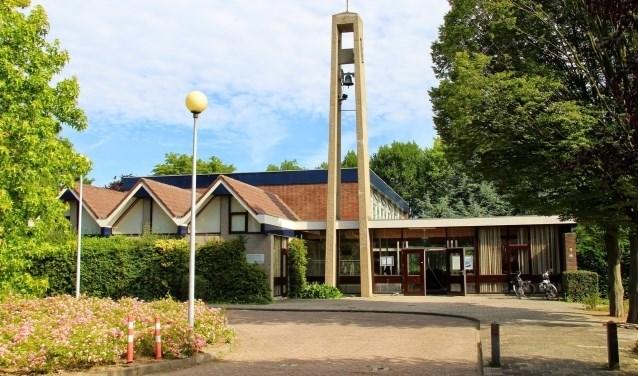 De Triomfatorkerk is verkocht, de diensten vinden vanaf 2 december in de Dorpskerk plaats. (Foto: archief)