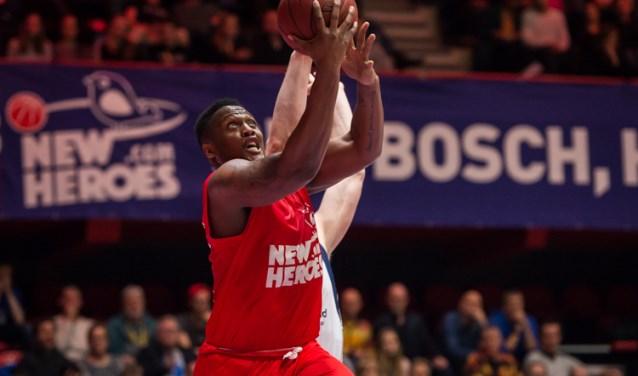 New Heroes heeft de uitwedstrijd in en tegen Amsterdam gewonnen met 63-106.