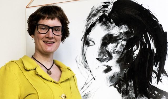 Rosemarijn Mulder exposeert haat werk in het Meester Geertshuis. (foto Auke Pluim)