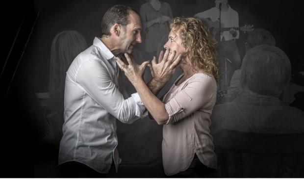 De voorstelling 'Nog meer wrijving' omvat nieuwe Nederlandstalige liedjes en nieuwe verhalen van Marij & Kornelis.