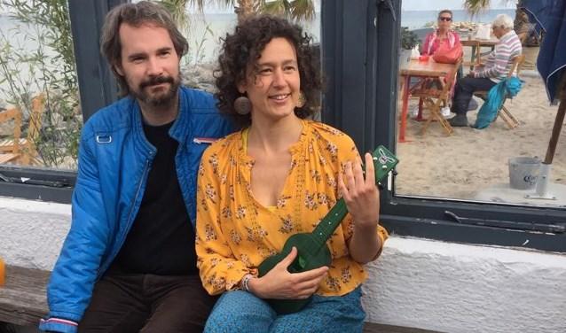Janina Stopperka en Uli Wentzlaff-Eggebert laten je zingen voor kansloze Romakinderen uit Tsjechië.