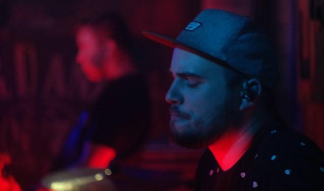 In Bruin Café JaxX treden regelmatig bands op. Tijdens Tapage op 3 november kan men overal in de stad genieten van (lokaal) talent.