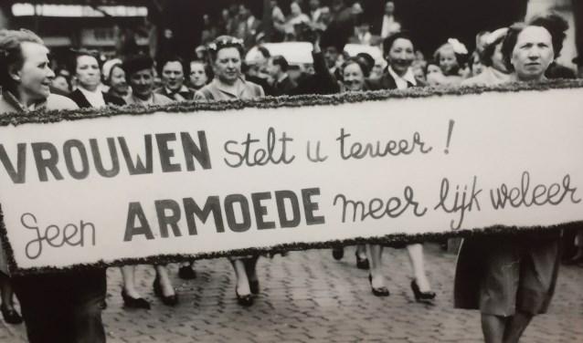 In woord en beeld wordt het onthutsende verhaal verteld van twee eeuwen armoede in Tilburg