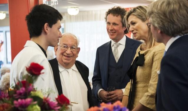 Het duo, links op de foto, met koningin Maxima. (Foto: Martin Waalboer)