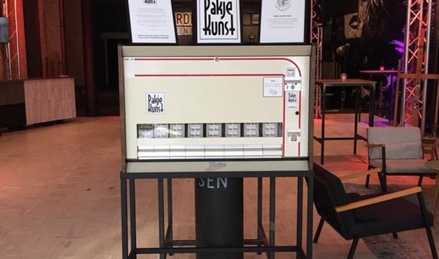 Automaat Pakje Kunst in Café Foyé