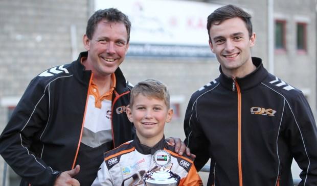 Youri Bonte met links vader Gommert en rechts coach Jesse Smeets