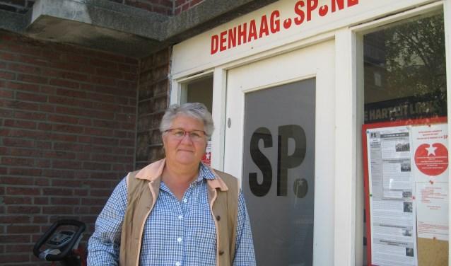 Inge van de Vooren hoopt met het spreekuur veel mensen de weg te kunnen wijzen in de wirwar van instanties en regelingen. (Foto: HB)