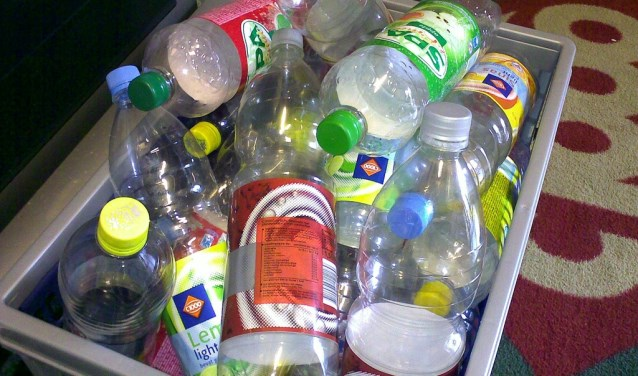 Help ouderen door uw lege flessen in te leveren en uw statiegeld te doneren