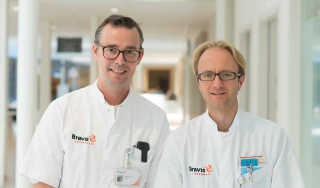 ICD-cardiologen Reinhart Dorman (links) en Ivo Henkens zijn blij met de officiële goedkeuring voor het uitvoeren van ICD-controles.
