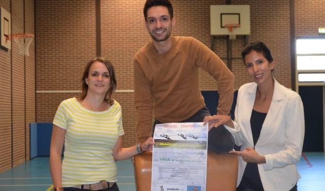 Organiserende docenten Tamara Baakman (l), Roberto Alvarez en Kayleigh Gerritsen hopen op een grote opbrengst