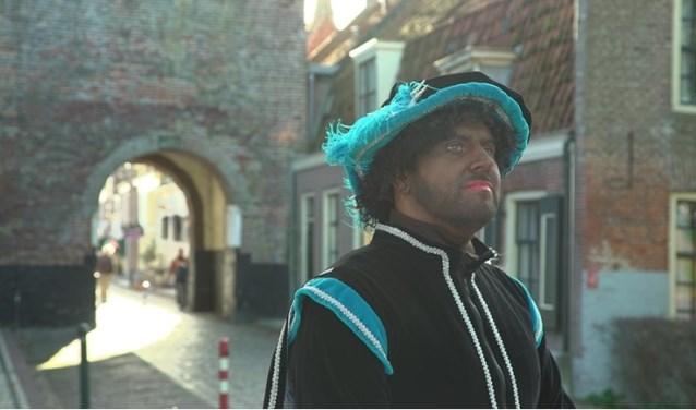 De banketpiet gaat helaas niet op tijd in Elburg aankomen, meldt het Sinterklaasjournaal.