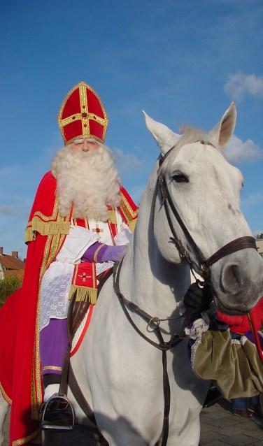 Sinterklaas tijdens de intocht in Budel. Foto: archief FotoDeMeus