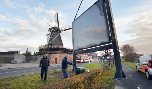 De gemeente Montfoort heeft op de invalswegen naar Montfoort en Linschoten digitale informatiezuilen laten plaatsen. (Foto: Paul van den Dungen)
