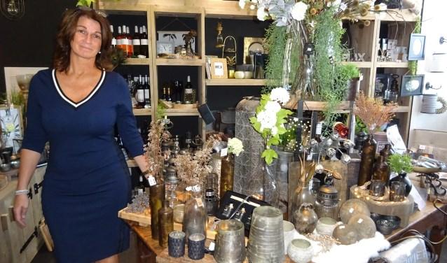 Diane Lagendijk nam afscheid van haar vaste baan en begon haar eigen winkel in de Graanbuurt, Tiara Lifestyle. (Foto: Eline Lohman)