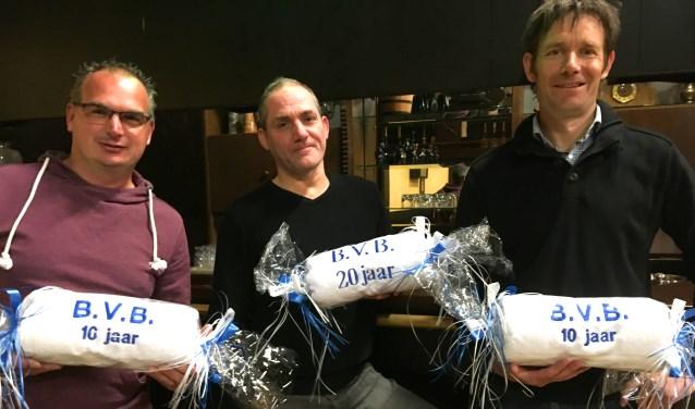 Van links naar rechts: Richard Janssen, Benjamin van Beek, Dennie van den Heuvel, respectievelijk 10, 20, 10 jaar lid.