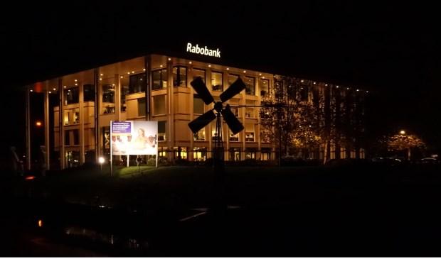 In het gebouw van Rabobank het Haringvliet in Heinenoord debatteerden ondernemers en politiek over de nieuwe gemeente Hoeksche Waard. (archieffoto: Conno Bochoven)