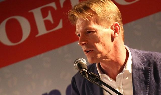 Voormalig stadsdichter Arjan Keene was één van de ácht genomineerden voor het light-verse kampioenschap van Nederland, gestreden in Emmen.