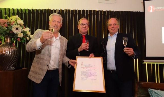 Albert Hendriks en Jack de Bruijn van Optimus Sorters zijn Ondernemer van het Jaar 2018 in de gemeente Beuningen en adopteren het laatste Ondernemerscafé van 2018.