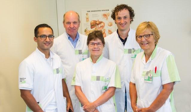 Het team van de polikliniek voor problemen rond ontlasting, links op de foto Jeroen Schippers. (Foto: Ernst-Jan Brouwer)
