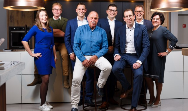 Het team van Keukenstudio Regio Oostgaat altijd tot het uiterste om uw droomkeuken op maat te maken. Foto: Aline Roosink.