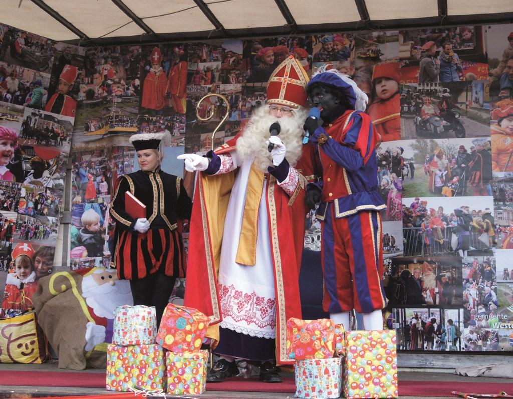 Sinterklaas vorig jaar op het Dorpsplein in Westervoort.