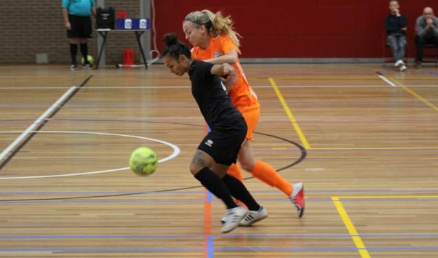 Talent Maud Sakbal passeert haar tegenstander