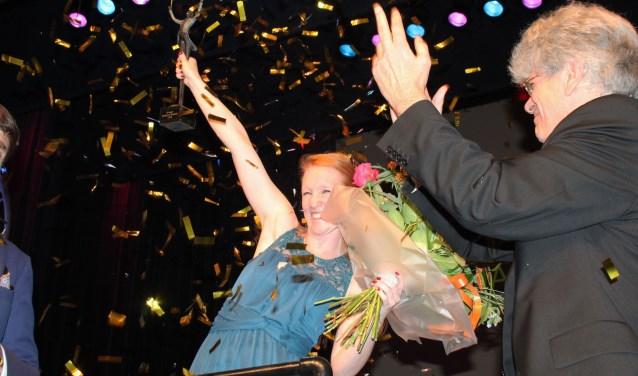 Na de uitslag en de uitreiking van de prijs is de spanning van weken bij alle maestro's gebroken. Mandy Pijnenburg is de eerste maestro van IJsselstein. (Foto: Lysette Verwegen)
